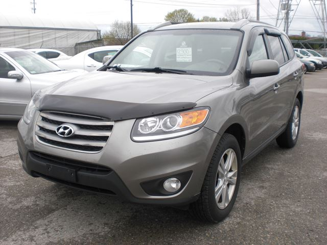 2012 HYUNDAI Santa Fe GL in London, Ontario