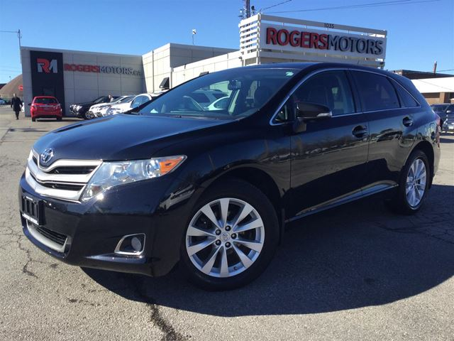 2014 TOYOTA VENZA XLE AWD - NAVI - LEATHER in Oakville, Ontario