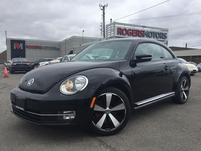 2012 VOLKSWAGEN NEW BEETLE  TURBO - NAVI - LEATHER  in Oakville, Ontario