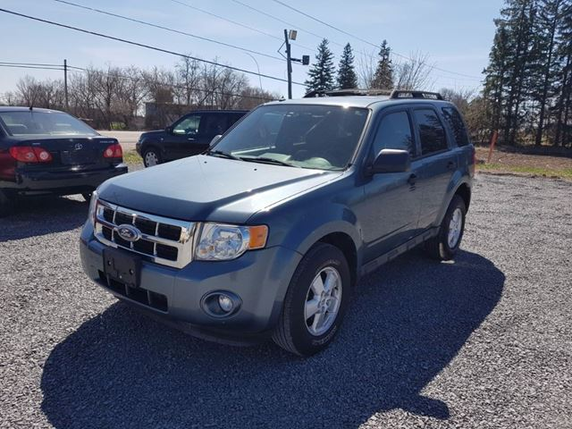 2010 FORD ESCAPE XLT AWD in Newmarket, Ontario