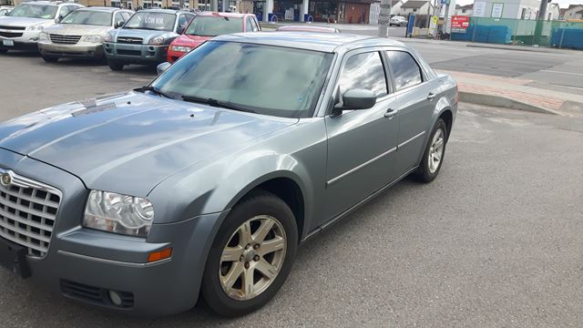 2006 CHRYSLER 300           in Oshawa, Ontario