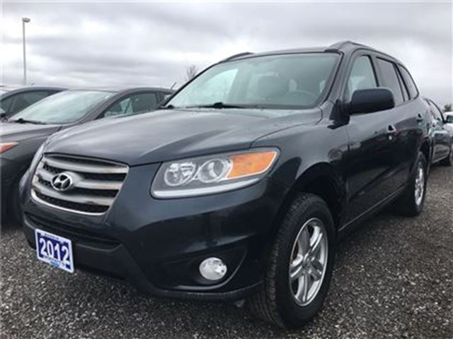2012 HYUNDAI SANTA FE GL - 3.5L V6 - AWD - LOW KMS!! in Barrie, Ontario