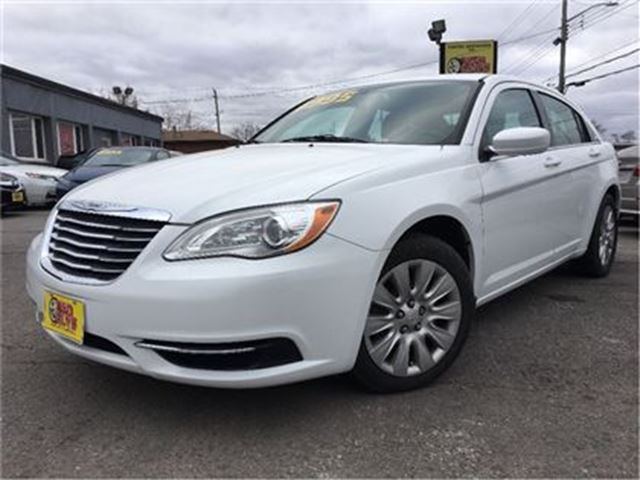 2013 CHRYSLER 200 LX LOW KMS!! HEATED MIRRORS in St Catharines, Ontario