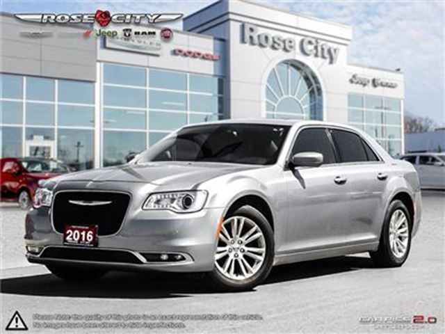 2016 CHRYSLER 300 Touring~Accident Free~Leather~Pano Sunroof in Welland, Ontario