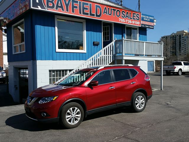 2014 NISSAN ROGUE SV AWD **Panoramic Sunroof/Reverse Cam** in Barrie, Ontario