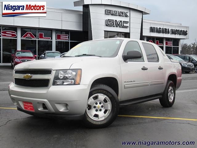 2011 Chevrolet Avalanche LS 2WD in Virgil, Ontario