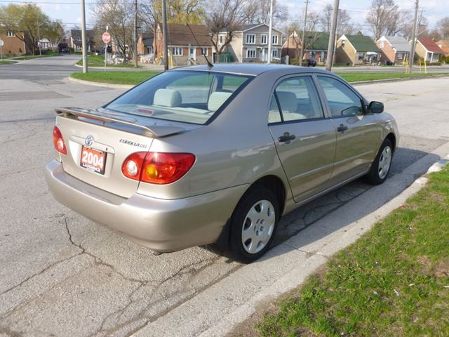 2004 toyota corolla ce toronto ontario car for sale 2756772. Black Bedroom Furniture Sets. Home Design Ideas