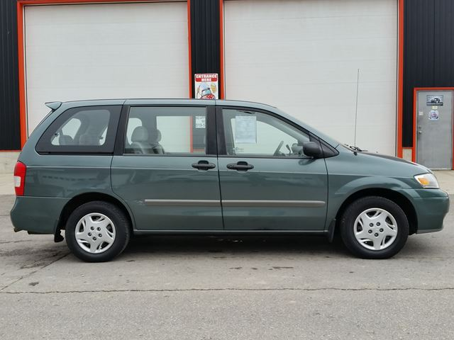 2001 Mazda MPV DX w/3rd row in Jarvis, Ontario