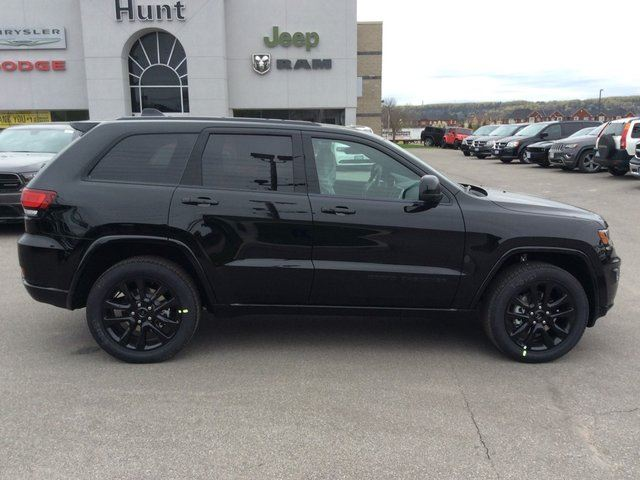 2017 jeep grand cherokee 0 altitude blackout cam sun. Black Bedroom Furniture Sets. Home Design Ideas