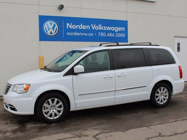 2015 CHRYSLER TOWN AND COUNTRY Touring in Edmonton, Alberta