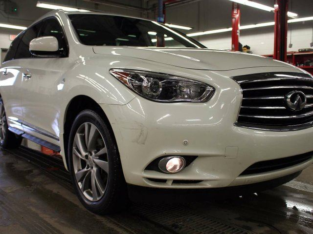 2015 Infiniti QX60 AWD, V6, SUNROOF, HEATED SEATS, LEATHER, BLUETOOTH in Edmonton, Alberta