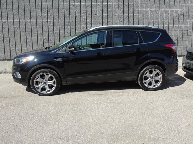 used 2017 ford escape titanium awd nav winnipeg. Black Bedroom Furniture Sets. Home Design Ideas