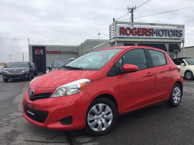 2014 TOYOTA YARIS LE - HATCH - BLUETOOTH in Oakville, Ontario
