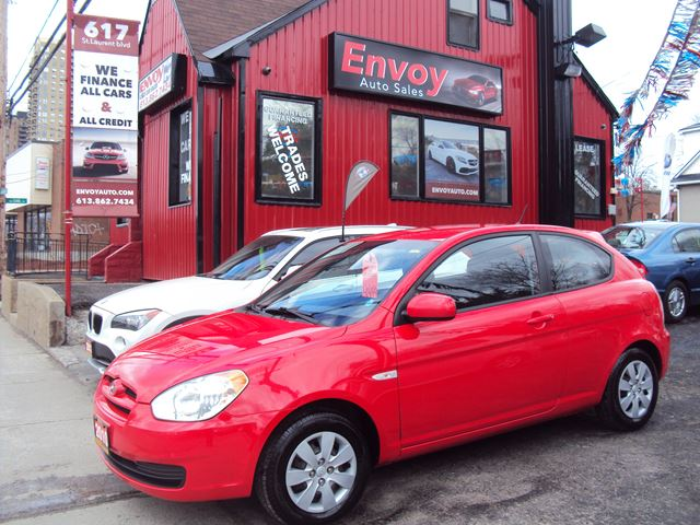 2010 Hyundai Accent ONE OWNER!!NEW TIRES!!MONEY SAVER!! in Ottawa, Ontario