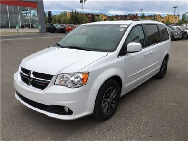 2017 dodge grand caravan sxt premium plus qualifies for special financing okotoks alberta car. Black Bedroom Furniture Sets. Home Design Ideas