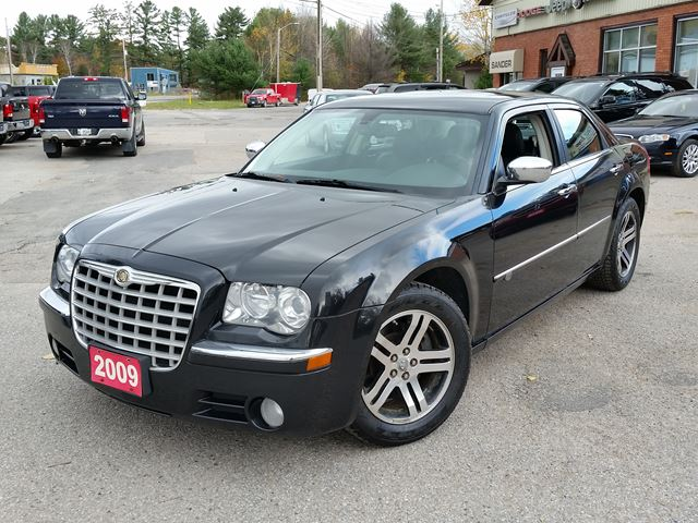 2009 Chrysler 300 300C in Gravenhurst, Ontario