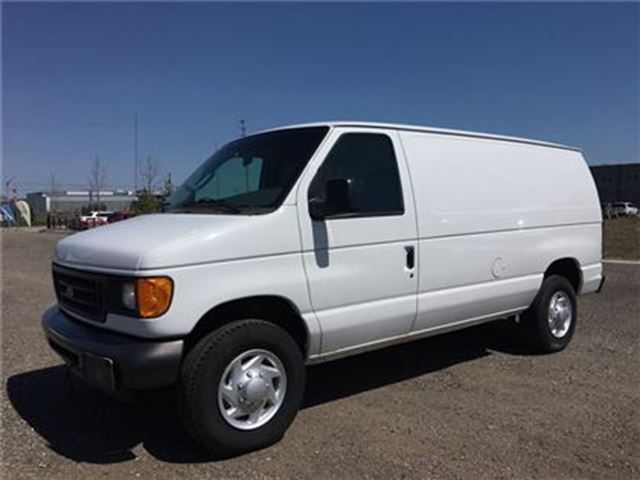 2007 Ford E-250 COMMERCIAL CARGO VAN in Barrie, Ontario