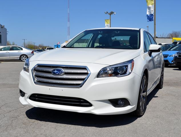 2017 SUBARU LEGACY 2.5i w/Limited & Tech Pkg in St Catharines, Ontario