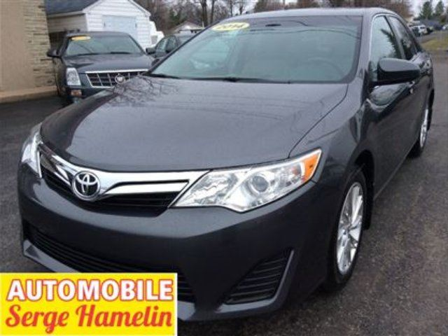 2014 Toyota Camry LE navigation garantie in Chateauguay, Quebec