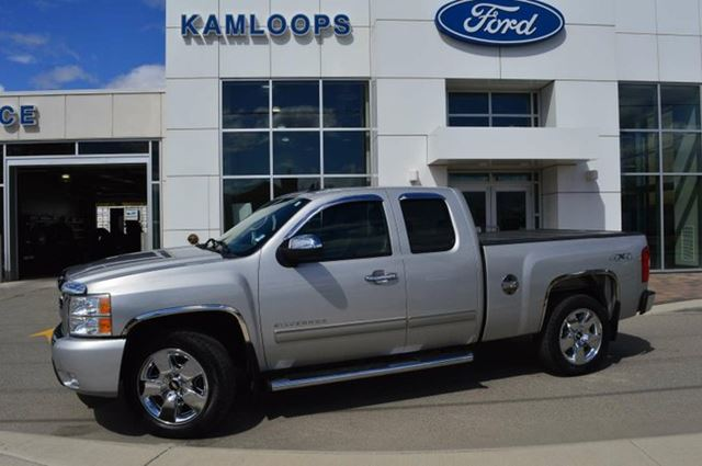 2010 CHEVROLET SILVERADO 1500 LTZ 4x4 Extended Cab 6.6 ft. box 143.5 in. WB in Kamloops, British Columbia
