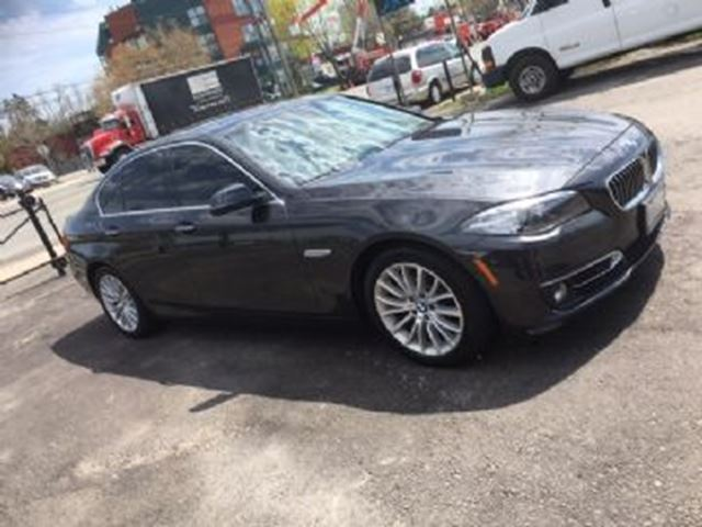 2015 BMW 5 SERIES 528i xDrive w/Premium Package in Mississauga, Ontario