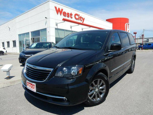 2015 Chrysler Town and Country S TRIM - REAR BLURAY PLAYER,LOADED! in Belleville, Ontario
