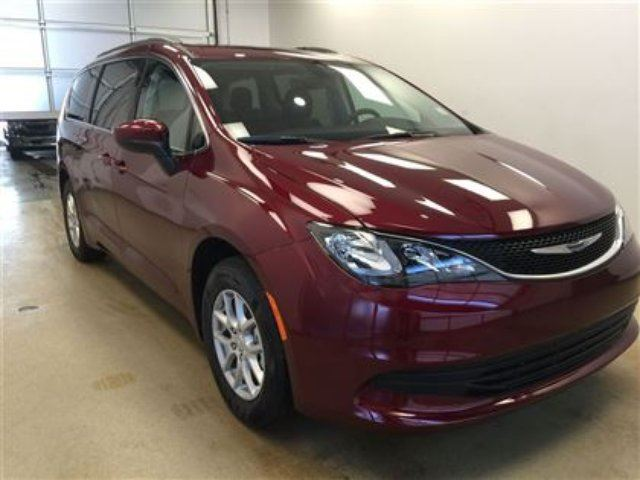 2017 chrysler pacifica lx demo unit 8 passenger seating lethbridge alberta car for sale. Black Bedroom Furniture Sets. Home Design Ideas