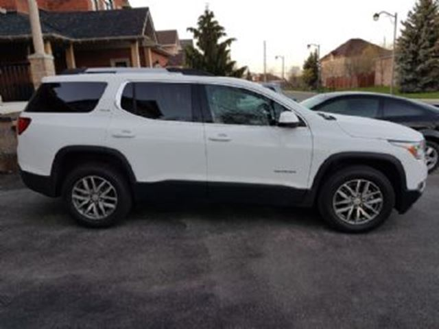 2017 GMC Acadia SLT 4WD, 2.5/4 cylinder, 193 hp in Mississauga, Ontario