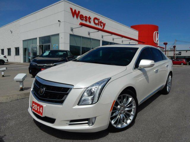 2014 CADILLAC XTS Platinum - TWIN TURBO,AWD! in Belleville, Ontario