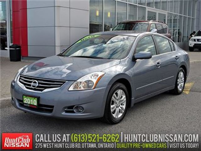 2010 Nissan Altima 2.5 S   Sunroof, Heated Seats, Alloys in Ottawa, Ontario