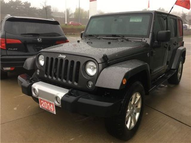 2014 Jeep Wrangler SAHARA UNLIMITED  l Dual Top No Accident in Mississauga, Ontario