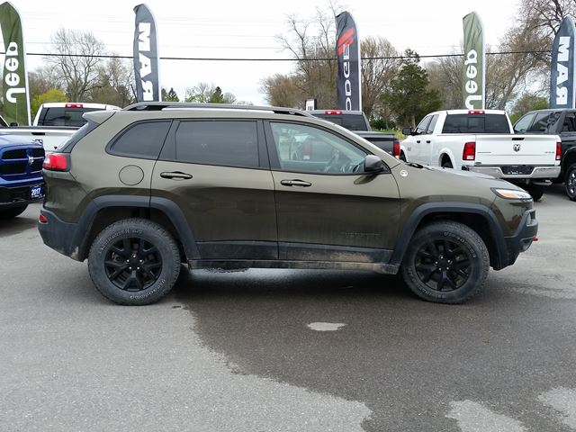 used 2016 jeep cherokee trailhawk belleville. Black Bedroom Furniture Sets. Home Design Ideas