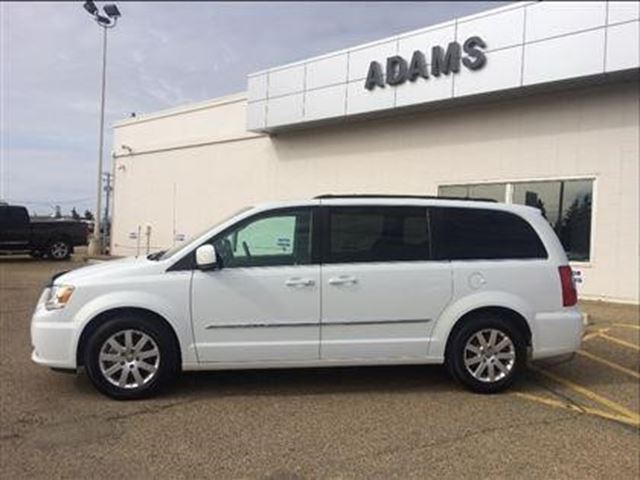 2015 chrysler town and country touring wetaskiwin alberta car for sale 2766010. Black Bedroom Furniture Sets. Home Design Ideas