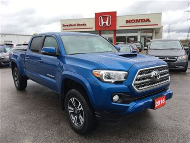 2016 TOYOTA TACOMA TRD Off Road Double Cab in Stratford, Ontario