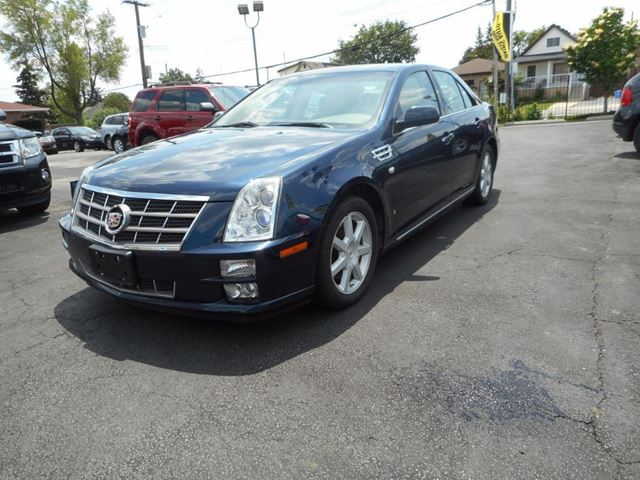 2008 CADILLAC STS -4, LEATHER, AWD, ALLOY WHEELS in Hamilton, Ontario