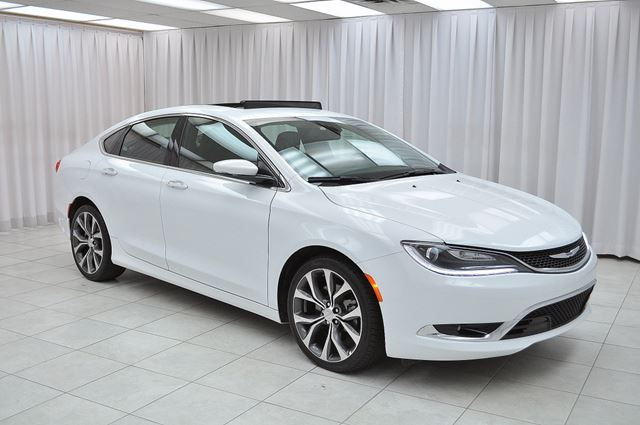 2016 CHRYSLER 200 200C V6 SEDAN w/ BLUETOOTH, NAV SYSTEM, PANO RO in Dartmouth, Nova Scotia
