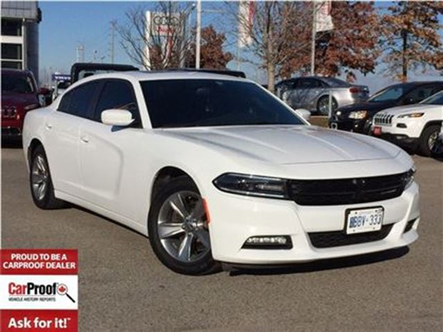 2016 Dodge Charger SXT**POWER SUNROOF**NAVIGATION** in Mississauga, Ontario