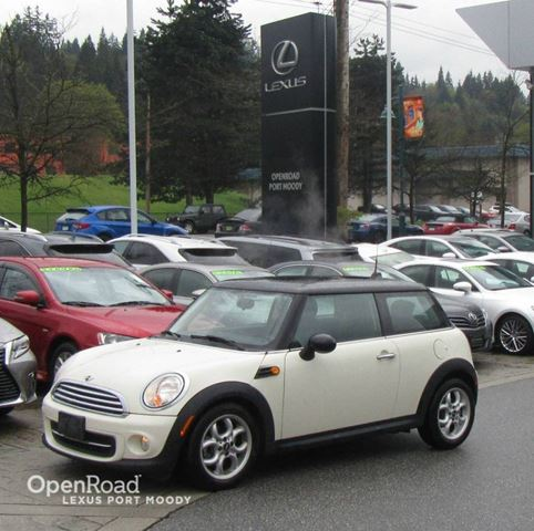 2013 MINI COOPER Cooper 2 Door - Low Kilometers in Port Moody, British Columbia
