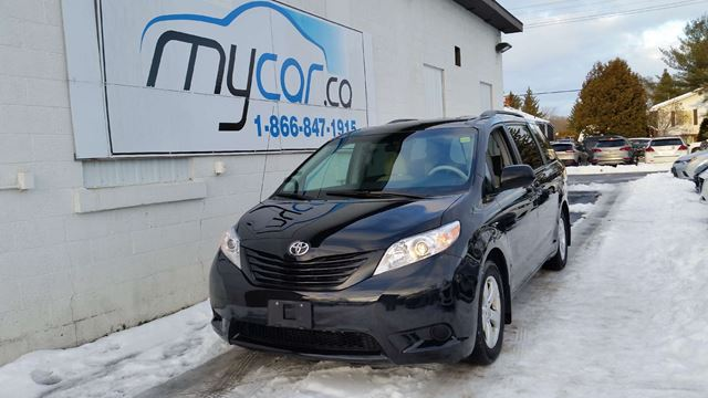 2014 TOYOTA SIENNA 7 Passenger in Kingston, Ontario