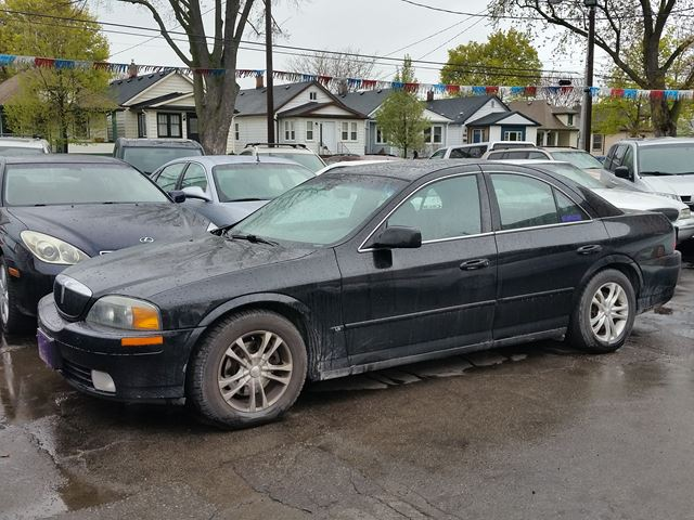 2001 LINCOLN LS w/Sport Pkg in St Catharines, Ontario