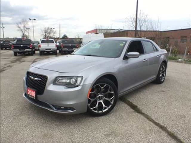 2016 Chrysler 300 S**LEATHER**SUNROOF**NAVIGATION**BACK UP CAM** in Mississauga, Ontario