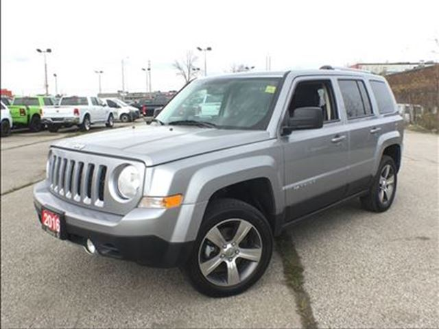 2016 Jeep Patriot NORTH**LEATHER**SUNROOF**6.5 INCH TOUCHSCREEN** in Mississauga, Ontario