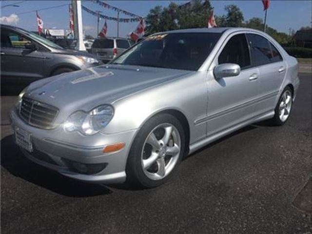 2006 MERCEDES-BENZ C-CLASS SEDAN BEAUTIFUL CAR !! WE FINANCE !! in Welland, Ontario