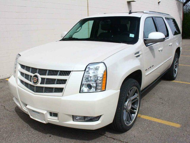 2013 CADILLAC ESCALADE ESV PREMIUM LOADED FINANCE AVAILABLE in Edmonton, Alberta