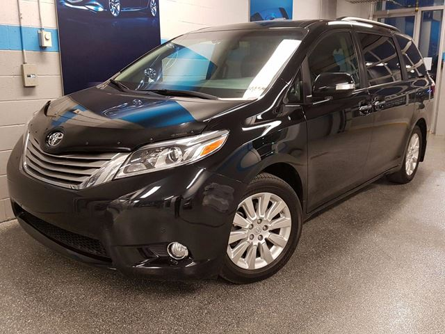 2015 Toyota Sienna XLE LIMITED AWD DVD in Longueuil, Quebec