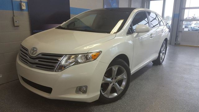 2010 Toyota Venza V6 AWD CUIR TOIT MAGS 20 '' in Longueuil, Quebec