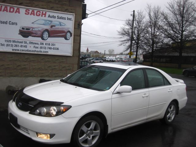 2005 Toyota Camry  SE LTHR/ROOF 126km ! 12M.WRTY+SAFETY $5990 in Ottawa, Ontario