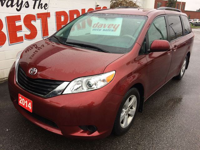 2014 toyota sienna le 8 passenger 8 passenger heated seats back up camera oshawa ontario. Black Bedroom Furniture Sets. Home Design Ideas