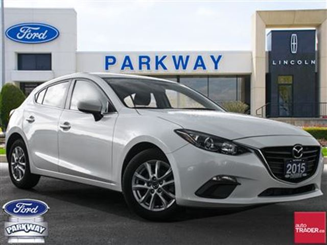 2015 Mazda MAZDA3 GS  HEATED SEATS  BACKUP CAM  BLUETOOTH  LOW KM in Waterloo, Ontario