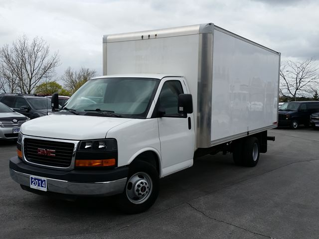 2014 GMC SAVANA Commercial Cutaway 16' CUBE/BOX TRUCK-C/W RAMP in Belleville, Ontario